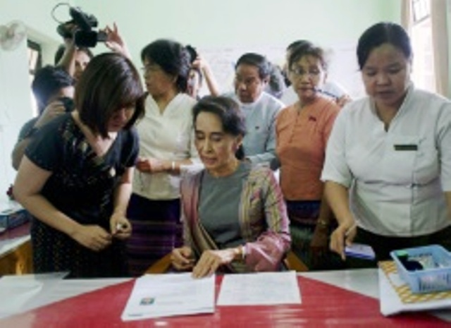 add add Suu Kyi registers for Myanmar polls