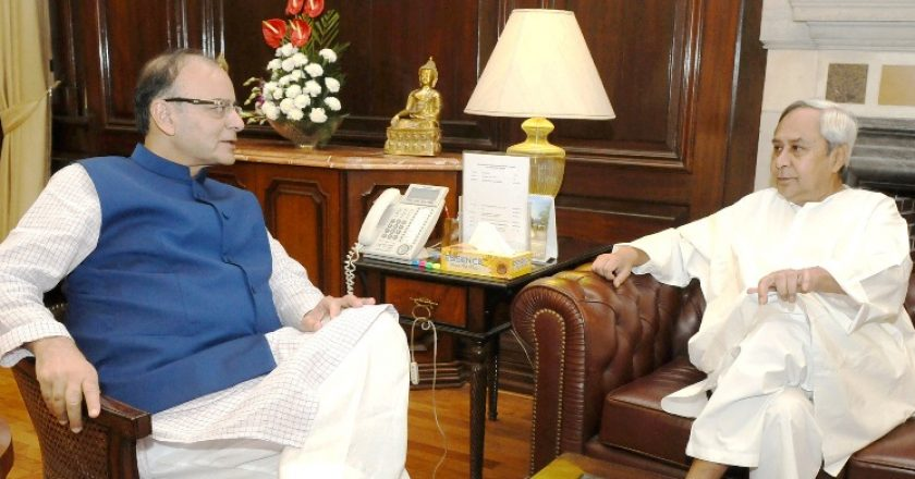 Chief-Minister-of-Odisha-Shri-Naveen-Patnaik-meeting-the-Union-Minister-for-Finance-Corporate-Affairs-and-Information-Broadcasting-Shri-Arun-Jaitley-in-New-Delhi-on-August-