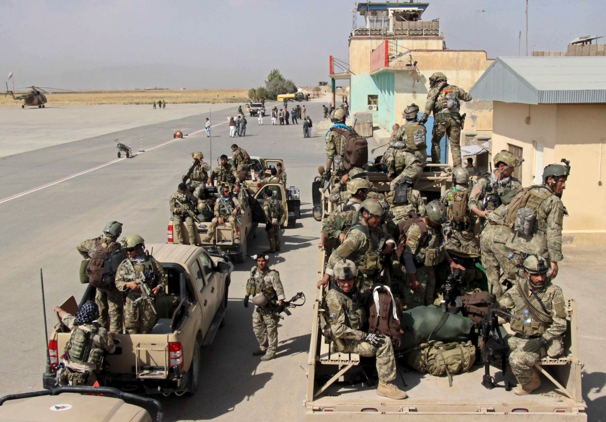 afghan-special-forces-arrive-for-a-battle-with-the-taliban-in-kunduz-city-northern-afghanistan-september-29-2015