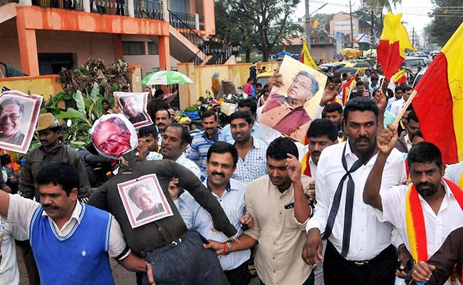 protests-against-girish-karnad