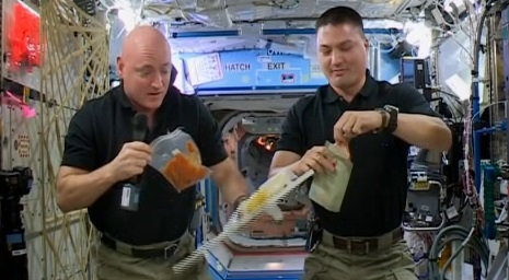 thhanks giving celibration at space station