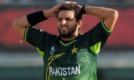 Shahid-Afridi-Show-Cause-notice-by-PCB