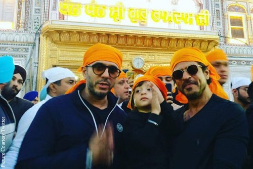srk-visits-golden-temple-sidhwani-son-abram-4