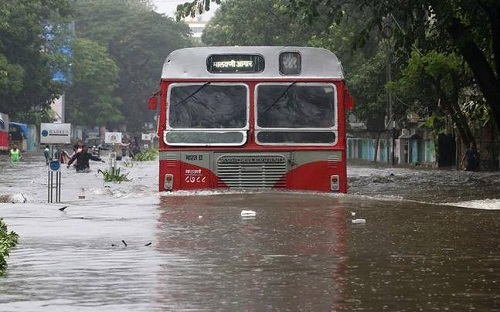 Mumbai-submerged-in-rain-water