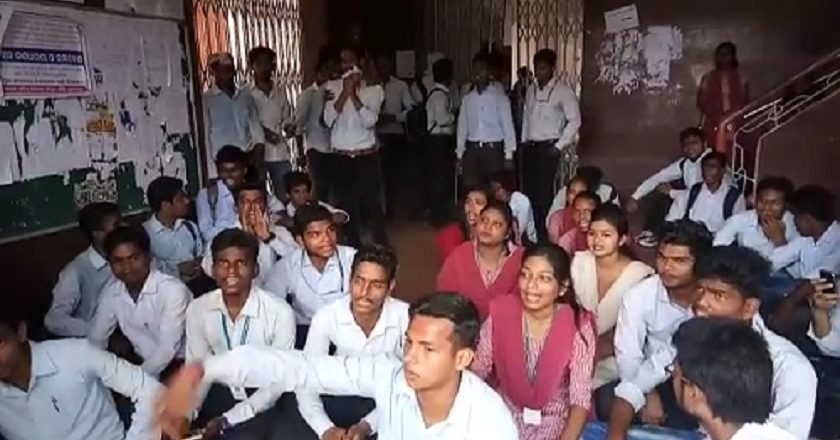 BJB-college-students-protest