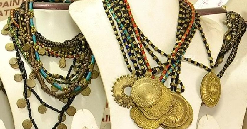 Tribal-art-necklaces