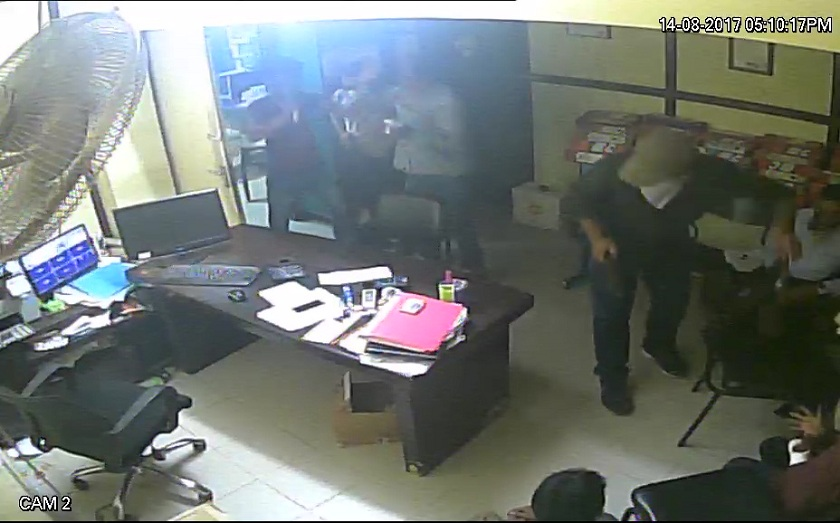 CCTV-footage-of-loot