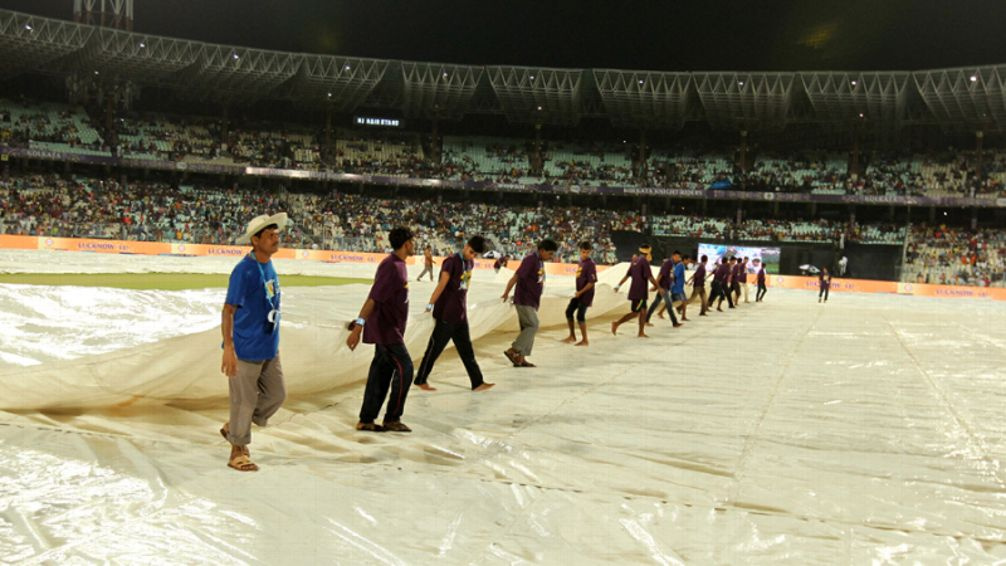 Cricket-match-interrupted-due-to-rain