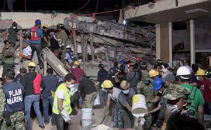 Rescue-operation-after-earthquake