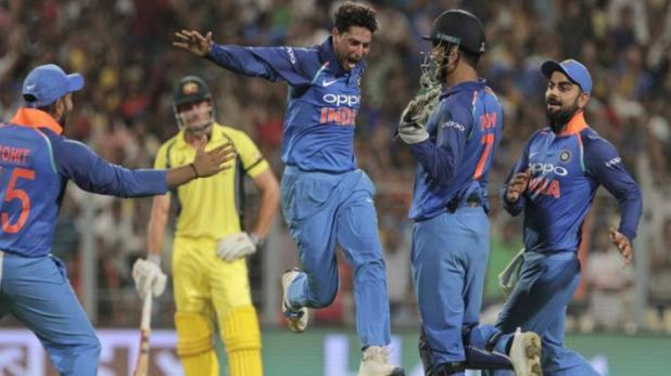Indian-cricket-players-celebrating-their-win