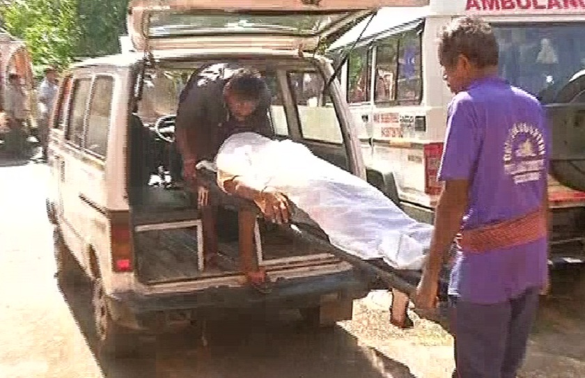 Dead-body-being-carried-in-ambulance