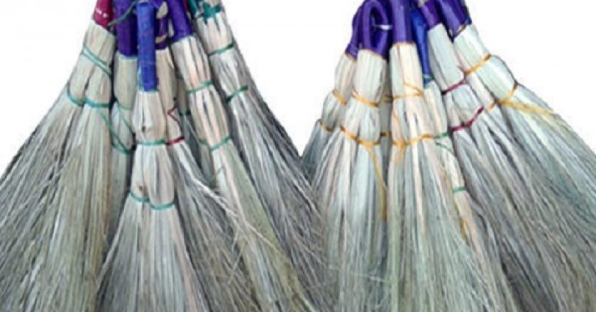 Cleaning-Grass-Brooms