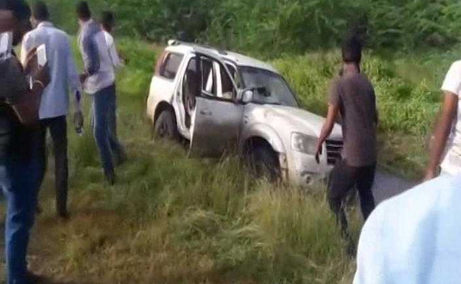 shiv-sena-leader-car-accident