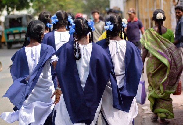 Indian-Schoolgirls